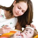 Bố mẹ cần biết: Chăm sóc trẻ sơ sinh đúng cách